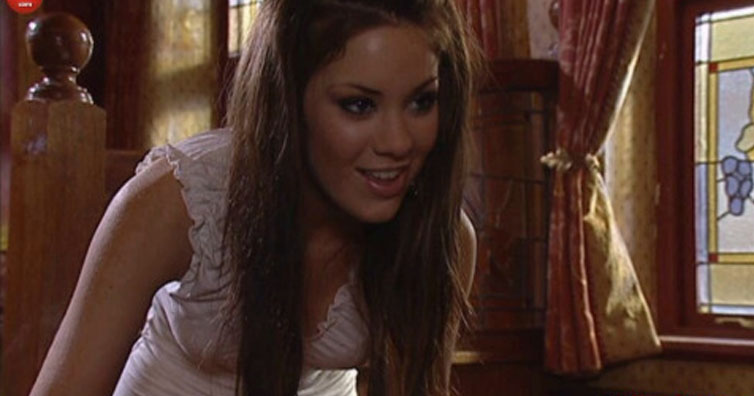 Remember Louise Summers From Hollyoaks? This Is What She Is Doing Now!