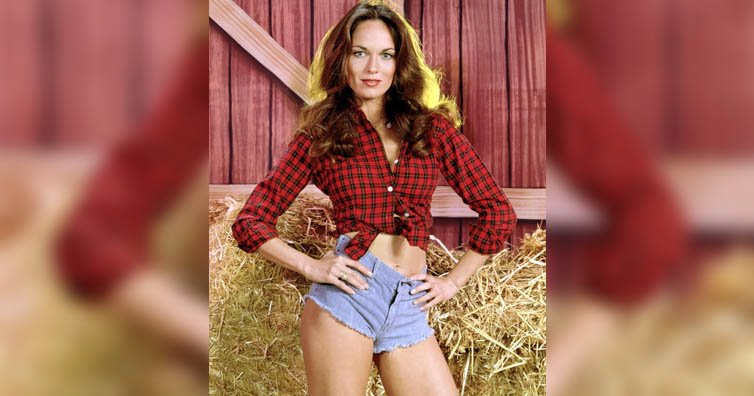 Do You Remember Daisy Duke From 'Dukes Of Hazzard?' This Is What She Looks Like Now!