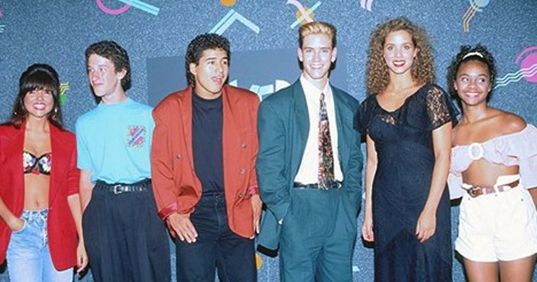 Saved By The Bell's Scandals With Sex, Drugs & Alcohol Have Been Revealed!