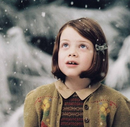 2 17 You'll Feel Old When You Realize How Old Lucy From 'The Lion, The Witch And The Wardrobe' Is Now