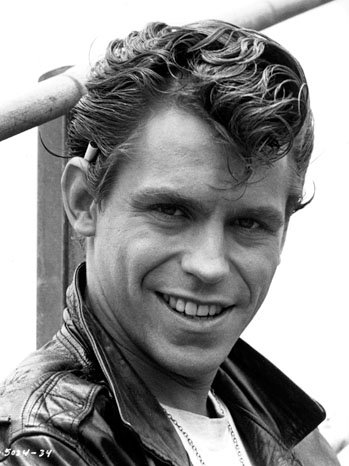 2 32 27 Things Most People Don't Know About Grease, Even After All These Years.