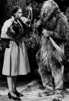 4 28 10 Crazy Behind-The-Scenes Stories From The Wizard Of Oz.