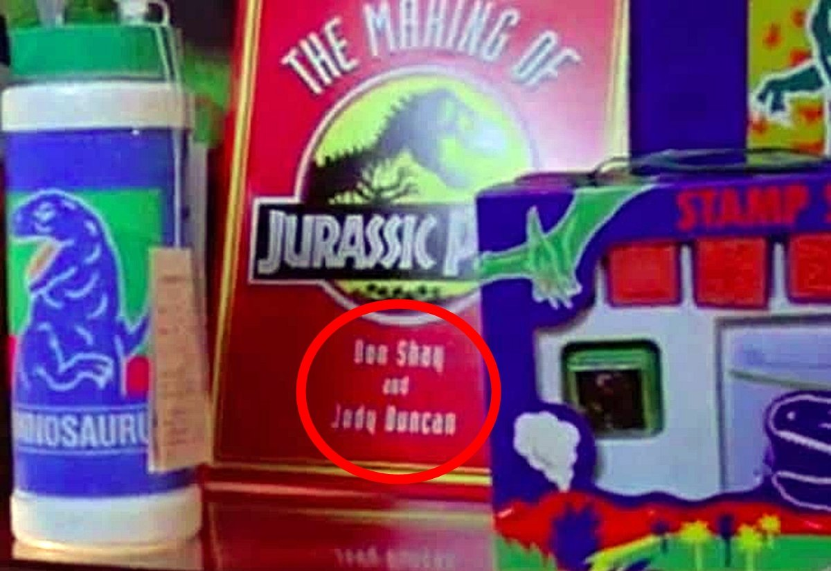 BOOK 25 Things You Probably Missed In Jurassic Park