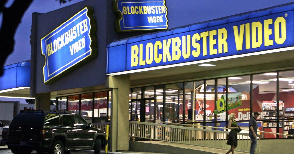 C The World's Last Blockbuster May Have The Funniest Account On Twitter