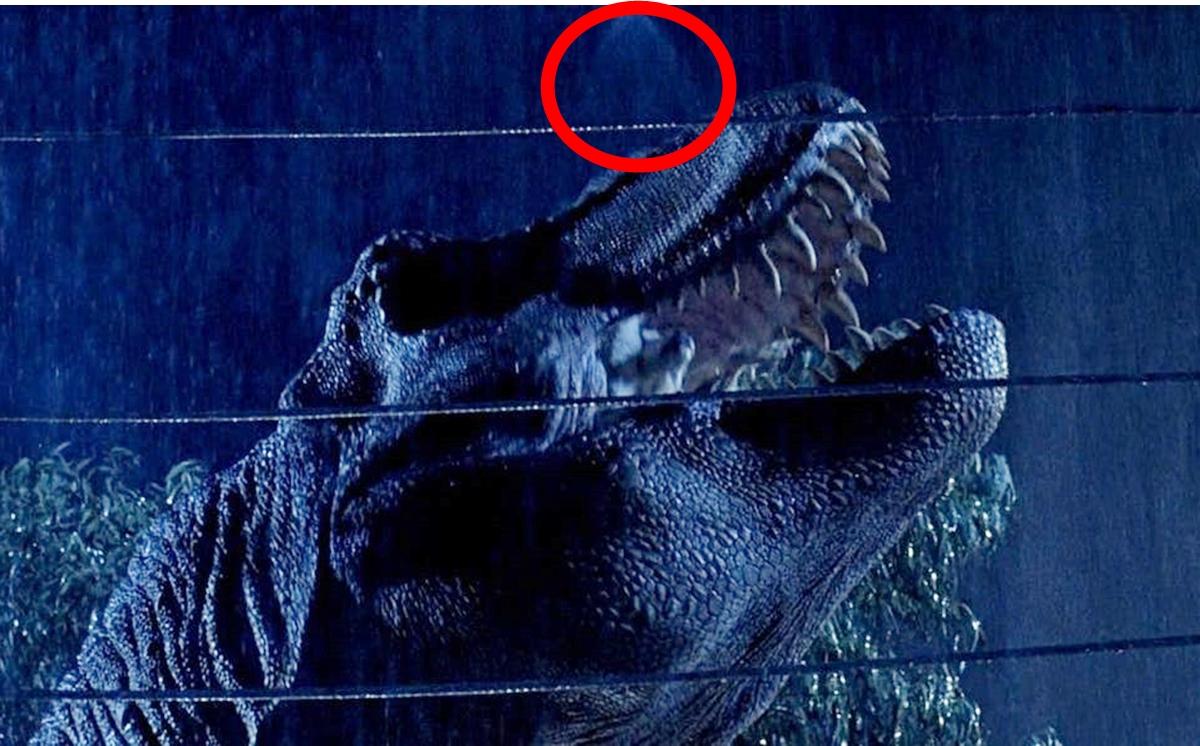 SPRINKLER 25 Things You Probably Missed In Jurassic Park
