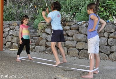 elastics 12 Playground Games We All Used To Play In The 80s