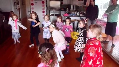 musical statues 10 Of The Greatest Children's Party Games