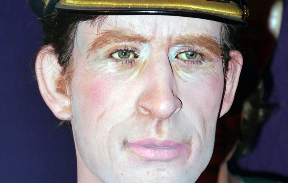 12 8 The 16 Worst Celebrity Waxworks Of All Time