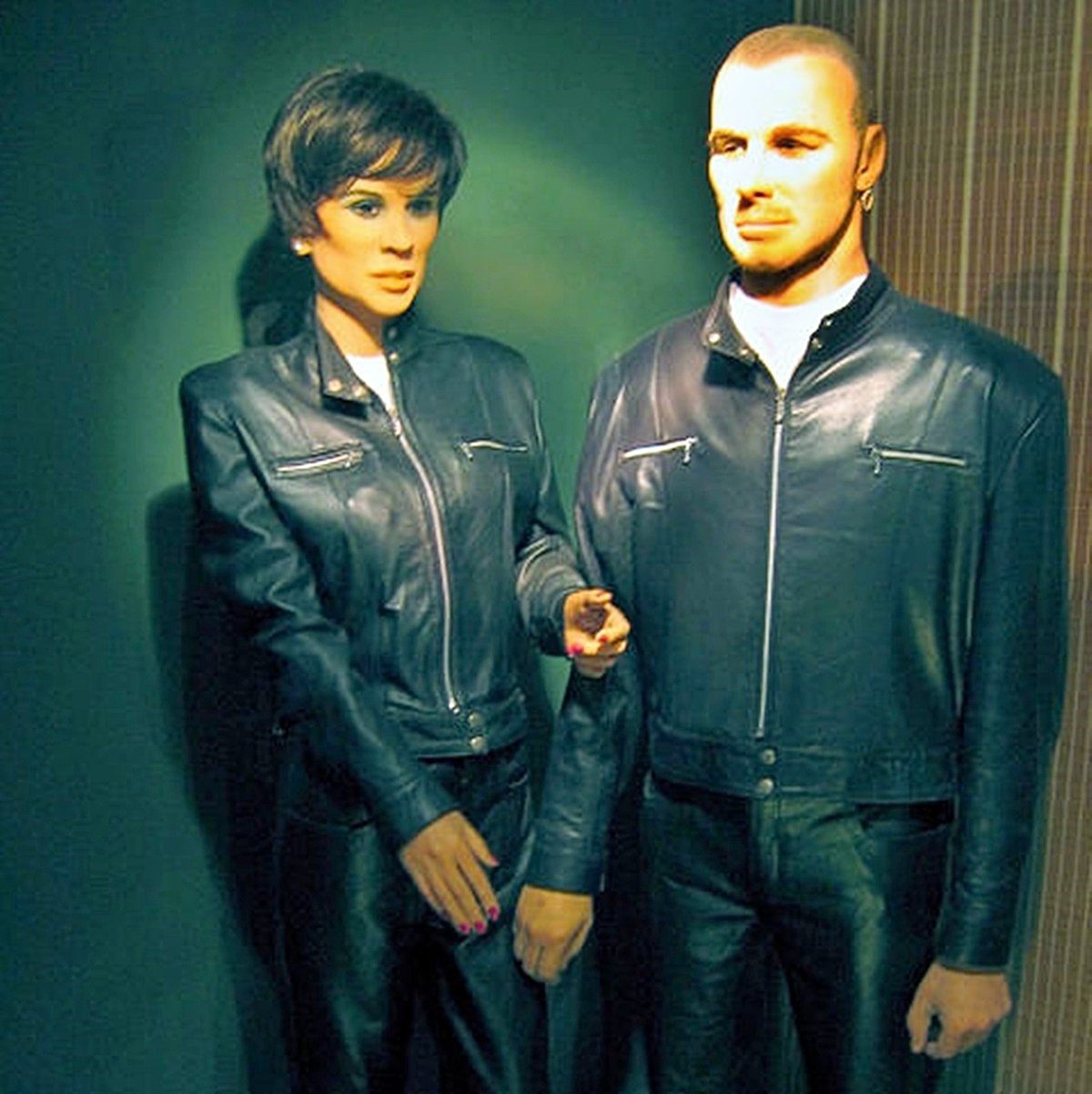 4 14 The 16 Worst Celebrity Waxworks Of All Time