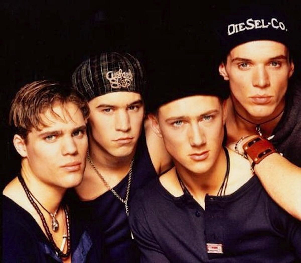 8 16 10 Boy Bands You've Most Definitely Forgotten About