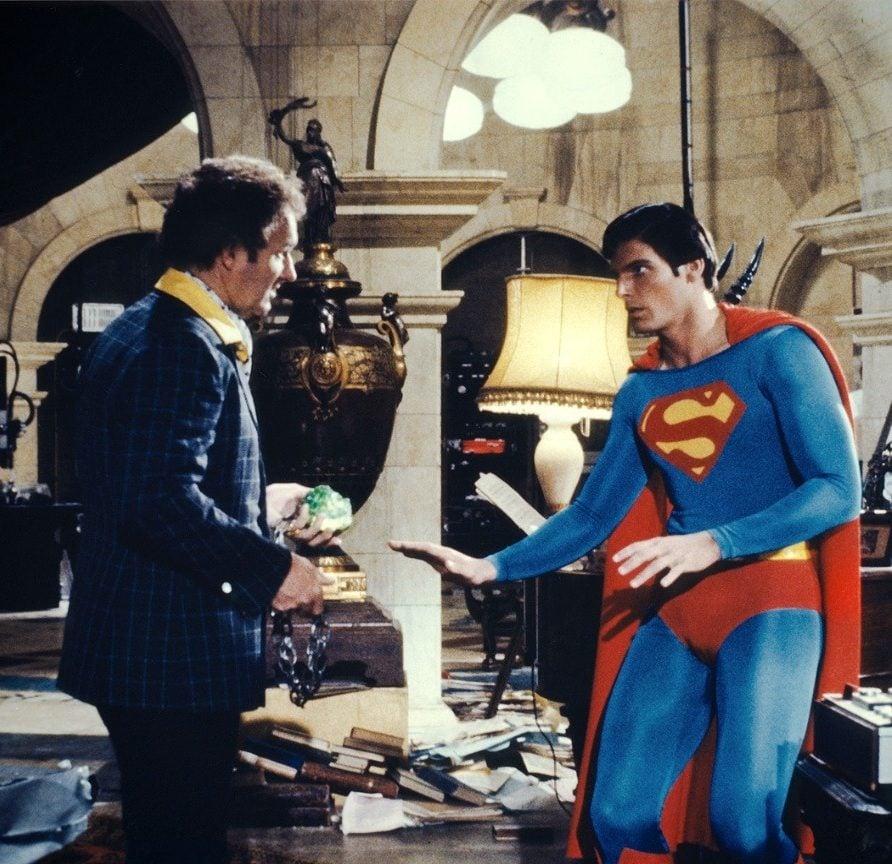 MV5BZWJhODI1OGItMDI2ZS00MmM1LWE4YzAtNjdlMDdiMjkyZjZiXkEyXkFqcGdeQXVyMjM0ODM0NDk@. V1 e1555064679340 24 Things You Probably Didn't Know About Christopher Reeve's Superman Films