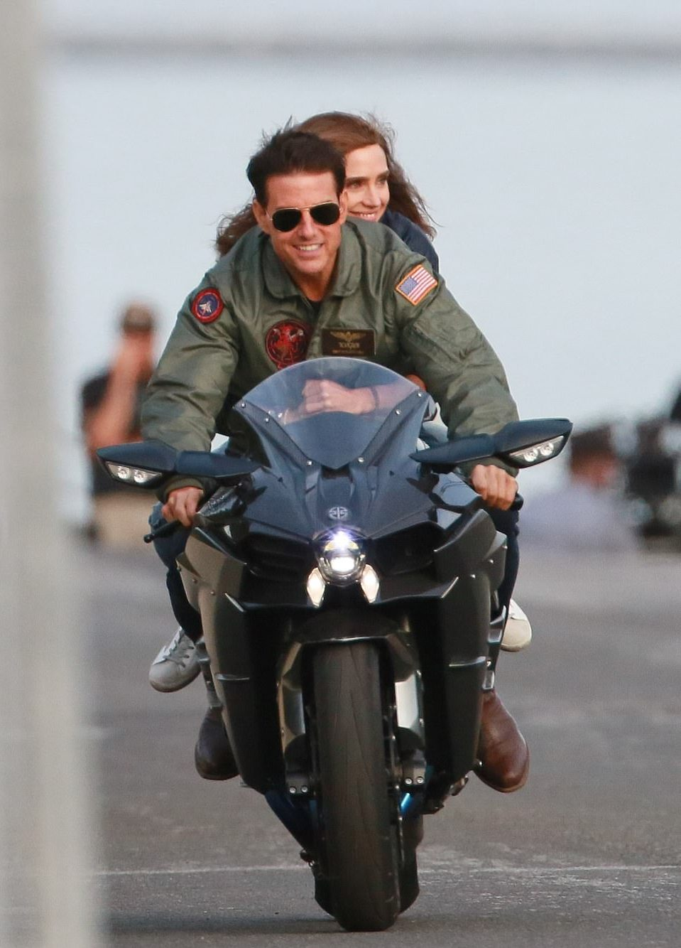gif 6 e1594995735779 20 Things You May Have Missed In Top Gun