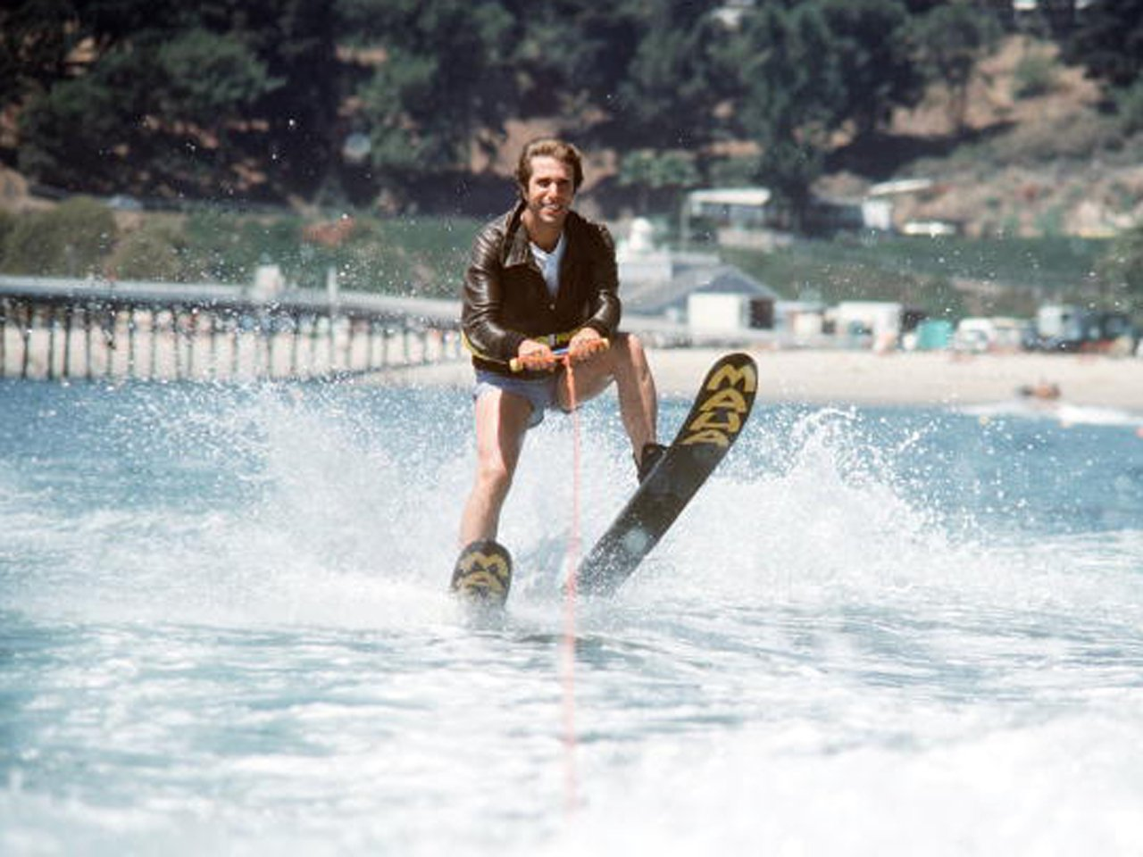 1C4669207 g ent 121108 fonz jump shark 12 Amazing Facts You Didn't Know About Happy Days