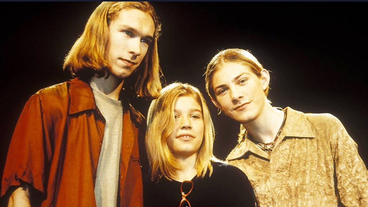 2 30 Remember Hanson? You Won't Believe How Amazing They Look Now!