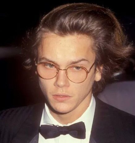437px RIVERP1989 Remembering River Phoenix - Forever Alive On Film
