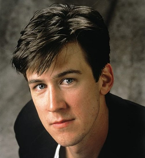 MV5BMTU3MjE4OTk1M15BMl5BanBnXkFtZTcwMjkzOTI2OQ@@. V1 SY1000 CR006901000 AL 20 Things You Probably Didn't Know About Ferris Bueller's Day Off
