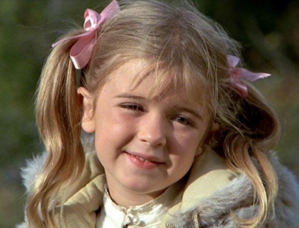 MV5BNDVkNTk0NGUtNDRkNy00YjZhLWJlYjctNDUzZWMyNDk3MzhlL2ltYWdlXkEyXkFqcGdeQXVyNjc3NDgwNzU@. V1 e1627903648901 25 Child Actors Who Died Too Young