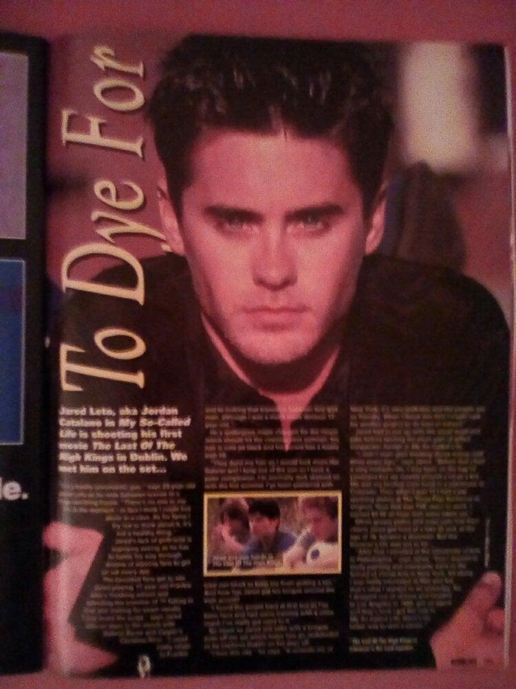 img 20180421 212529 1878744205 Big! What Gossip Was Inside This Showbiz Magazine in 1995?