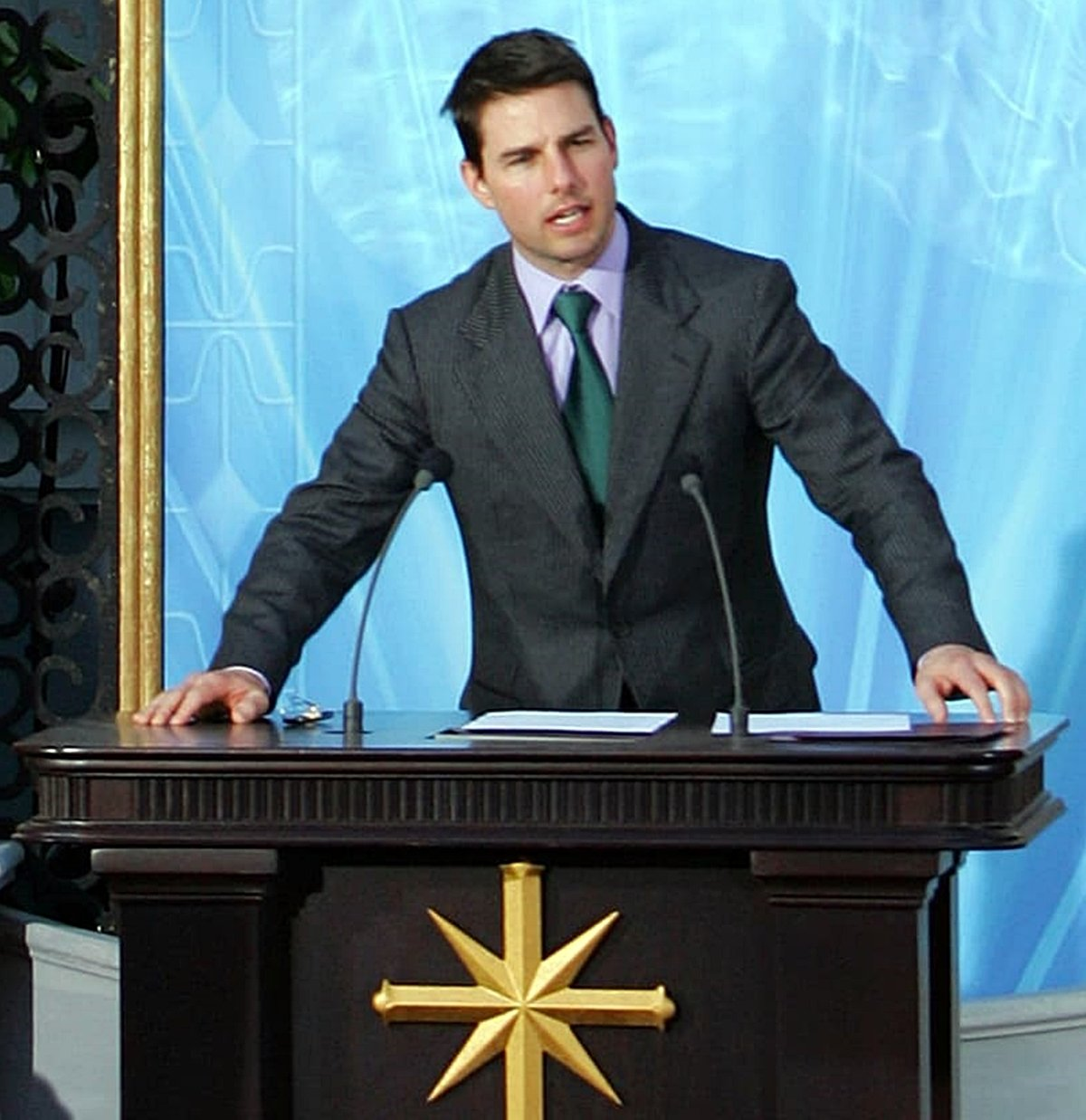 12 4 14 Interesting Facts About Tom Cruise