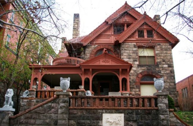 1340 Penn e 10 Real Haunted Houses And The Stories Behind Them