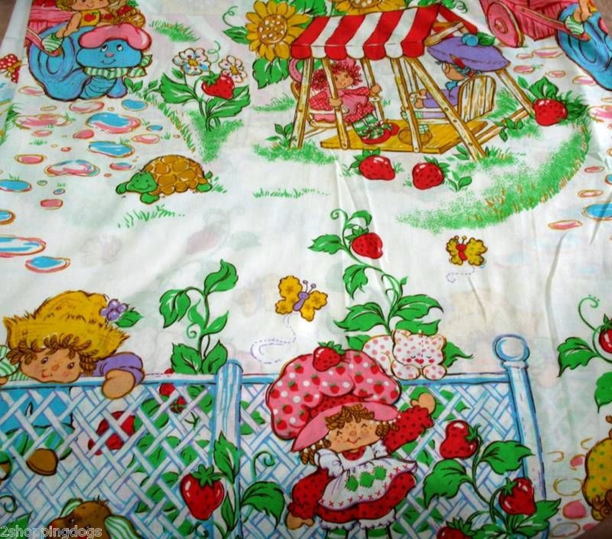 18 20 Things You Would Find In An 80s Girl's Bedroom