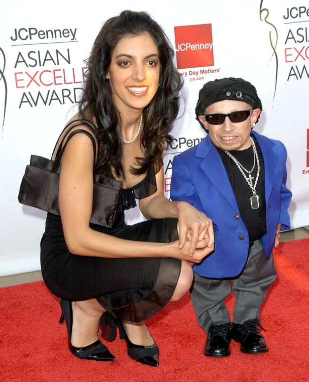 Actor Verne Troyer and Ranae Shrider arrive for the 2008 JCPenney Asian Excellence Awards1 1 10 Things You Didn't Know About Verne Troyer