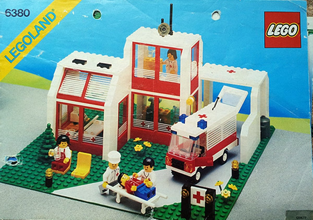 EMERGENCYTREATMENTCENTRE 10 Of The Best Lego Sets From Our Childhood