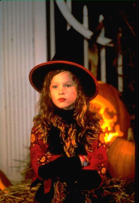 FB IMG 15277937605747705 10 Spookingly Surprising Facts About Hocus Pocus!