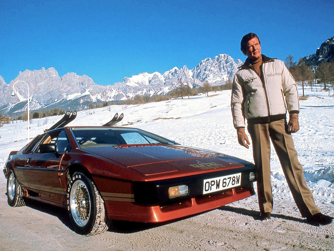 Roger Moore Esprit Turbo 25 Things You Didn't Know About Magnum, P.I.