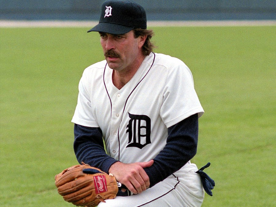 tomselleckbaseball2 25 Things You Didn't Know About Magnum, P.I.