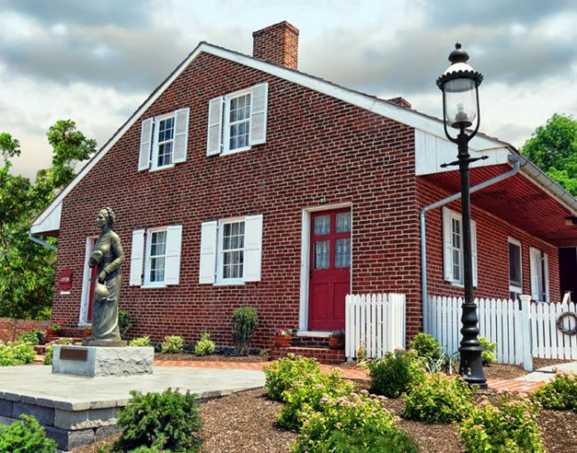 wade house angled 900 10 Real Haunted Houses And The Stories Behind Them