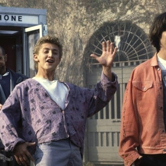 Alex Winter and Keanu Reeves with phone box in Bill & Ted's Excellent Adventure