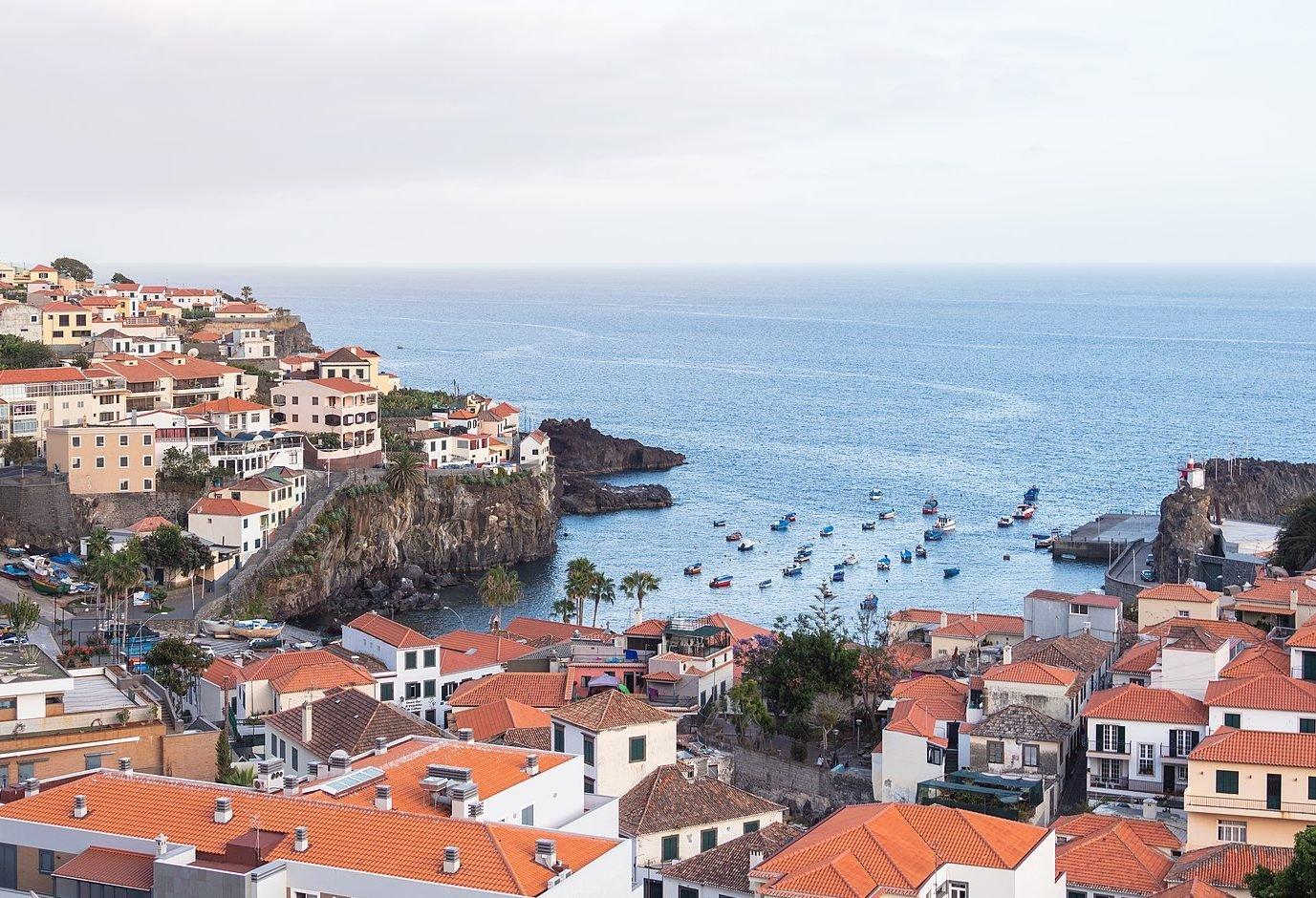 1920px Bahia de Camara de Lobos Madeira Portugal 2019 05 29 DD 50 e1627306928754 The Top Ten Holiday Destinations Of The 1980s