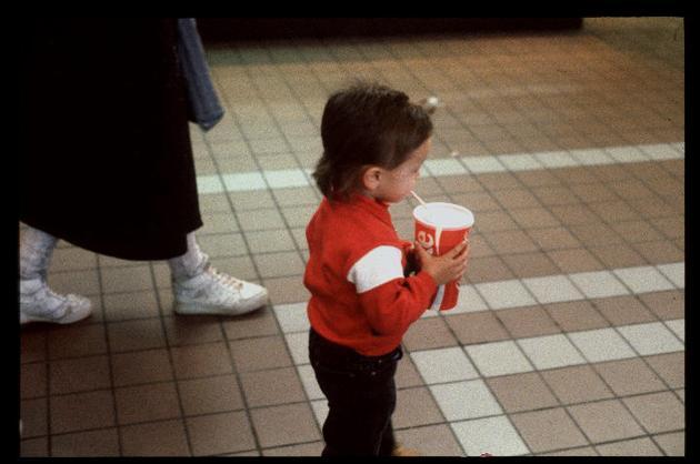 Q8uebBj 15 Vintage Photos of 80s Malls To Make You Feel Nostalgic