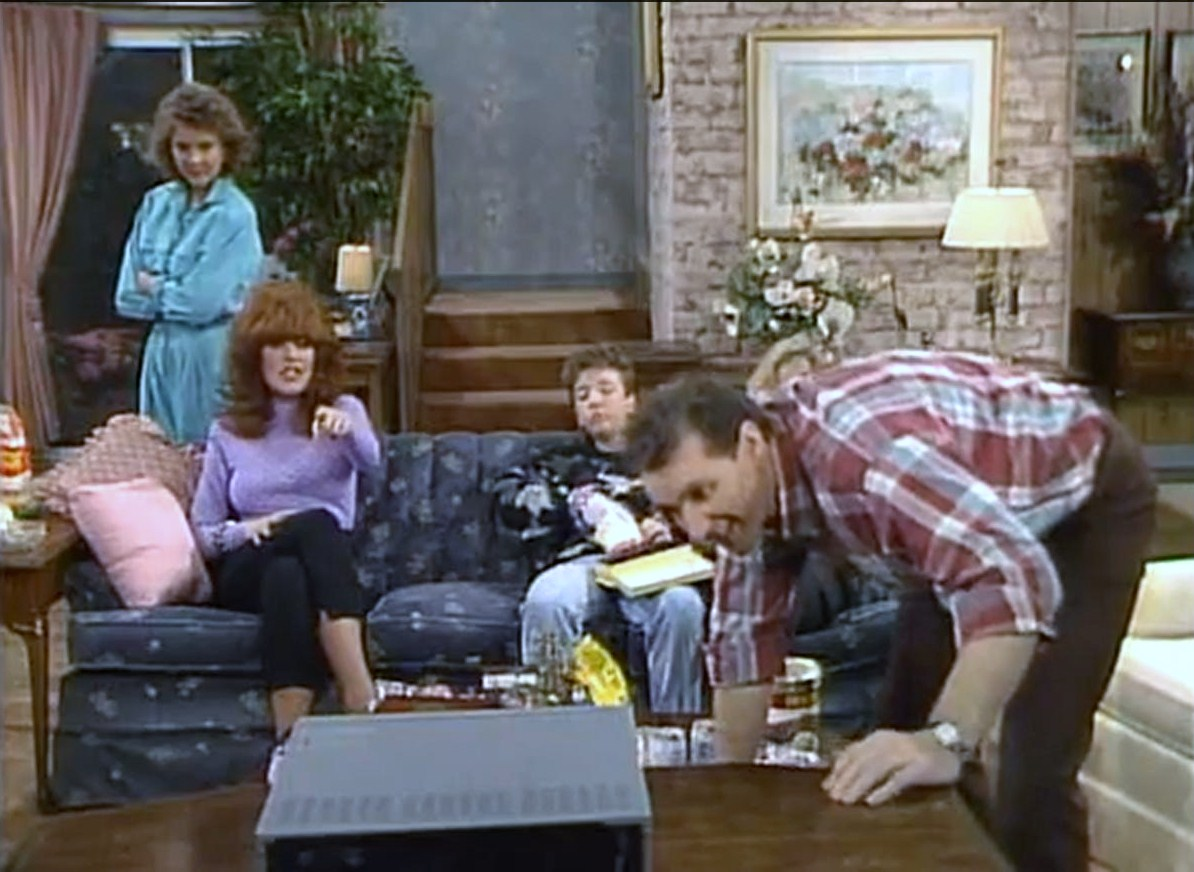 The harder they fall 20 Things You Probably Never Knew About Married... With Children