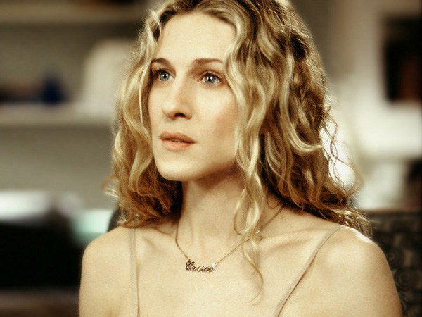 carrie bradshaw nameplate necklace 14 Things You Didn't Know About Sex and the City