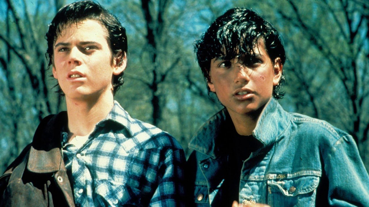 e cast Remember The Outsiders' Ponyboy Curtis, C Thomas Howell? Here He Is Now!