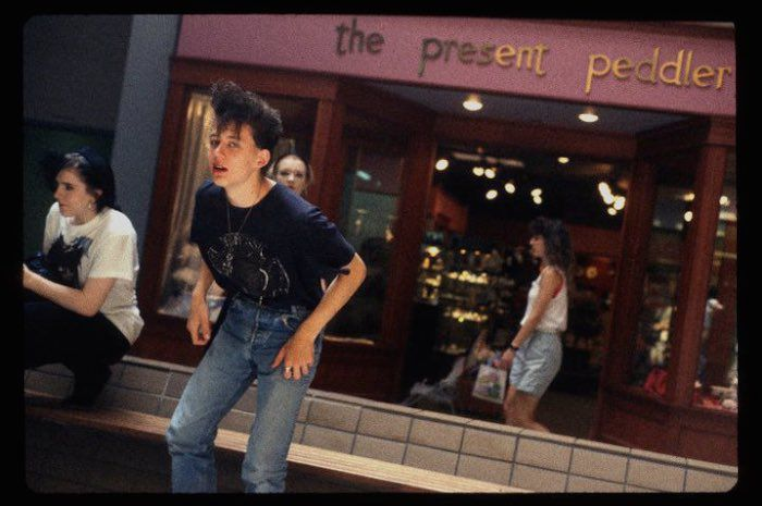 http 2F2Fa.amz .mshcdn.com2Fwp content2Fuploads2F20142F122FMalls 700 39 15 Vintage Photos of 80s Malls To Make You Feel Nostalgic