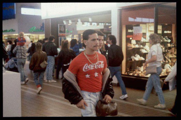http 2F2Fa.amz .mshcdn.com2Fwp content2Fuploads2F20142F122FMalls 700 4 15 Vintage Photos of 80s Malls To Make You Feel Nostalgic