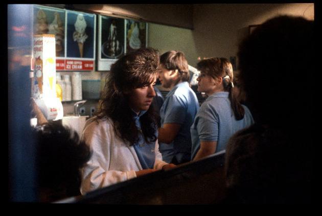 ml3Pusy 15 Vintage Photos of 80s Malls To Make You Feel Nostalgic
