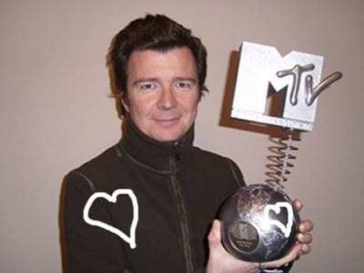 Astley picking up an MTV Award
