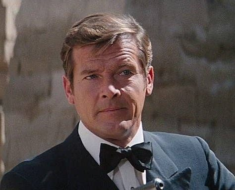 rogermoore007 e1619187442456 20 Things You Probably Never Knew About Married... With Children