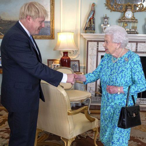 16 2 1 e1574782023688 20 Bizarre Royal Family Rules You Won't Believe