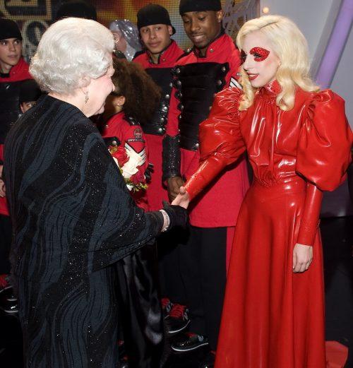 17 21 e1574781993556 20 Bizarre Royal Family Rules You Won't Believe