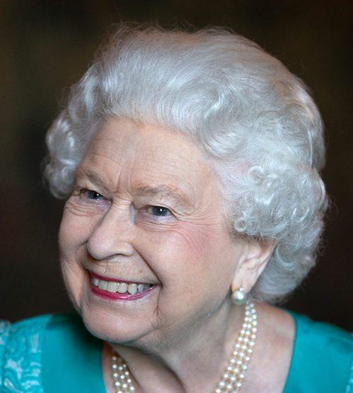 19 15 e1574781517206 20 Bizarre Royal Family Rules You Won't Believe