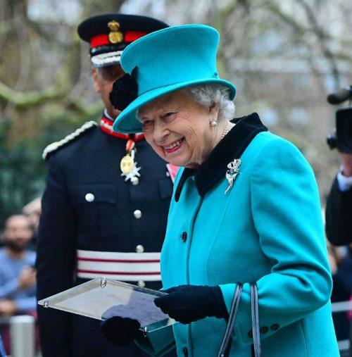 19 2 1 e1574781254533 20 Bizarre Royal Family Rules You Won't Believe