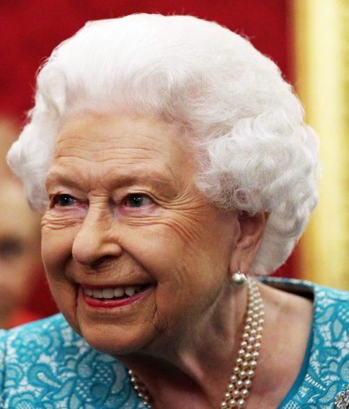2 3 2 e1574846108394 20 Bizarre Royal Family Rules You Won't Believe
