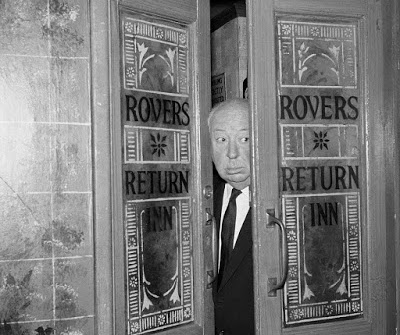 293BA89B00000578 3104546 Alfred Hitchcock peers his head out of the doors of the Robes Re a 47 1433095528074 1 20 Things You Never Knew About Coronation Street