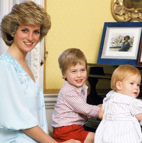 3 3 2 e1574846071675 20 Bizarre Royal Family Rules You Won't Believe
