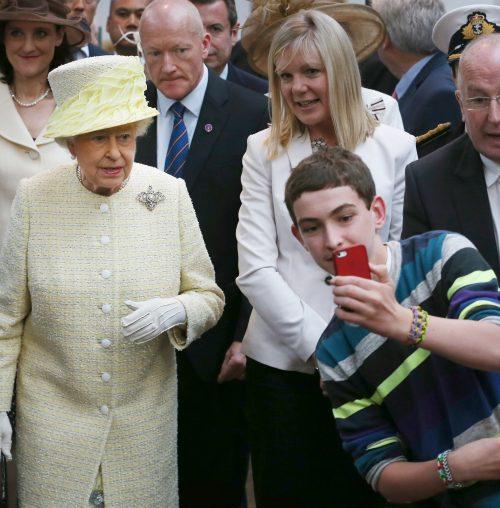4 3 2 e1574845997457 20 Bizarre Royal Family Rules You Won't Believe